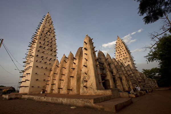 Early daylight on the Grande Mosquée of Bobo-Dioulasso | Dioulassoba Mosque | 布基纳发首