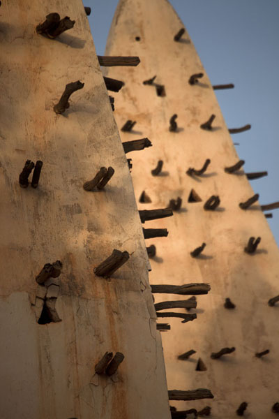 The two minarets of the Dioulassoba mosque | Mosquea di Dioulassoba | Burkina Faso