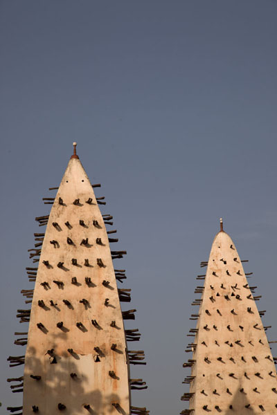The two minarets of the Grande Mosquée of Bobo-Dioulasso | Mosquea di Dioulassoba | Burkina Faso