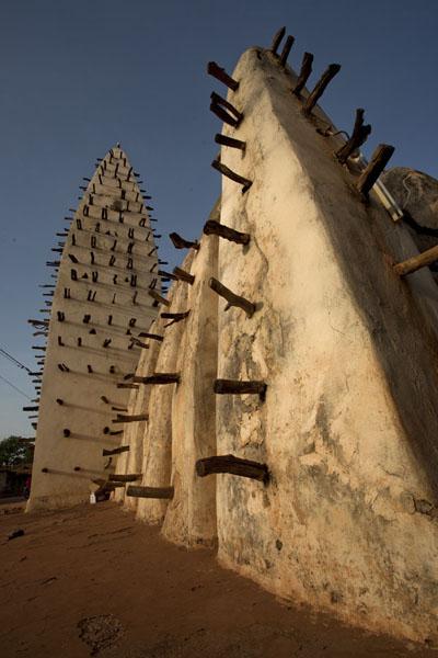 Looking up at the Dioulassoba mosque of Bobo-Dioulasso | Dioulassoba Mosque | Burkina Faso