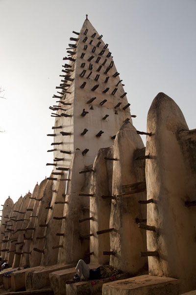 One of the minarets of the Grande Mosquée of Bobo-Dioulasso | Mosqu�e de Dioulassoba | Burkina Faso