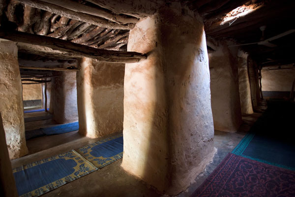 Interior view of the Dioulassoba mosque of Bobo-Dioulasso | Mosquea di Dioulassoba | Burkina Faso