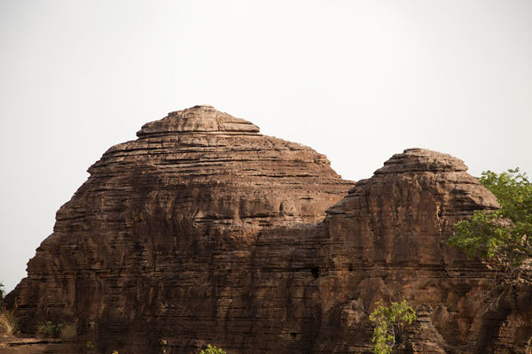 Layered rock: one of the domes of Fabedougou - 布基纳发首 - 非洲