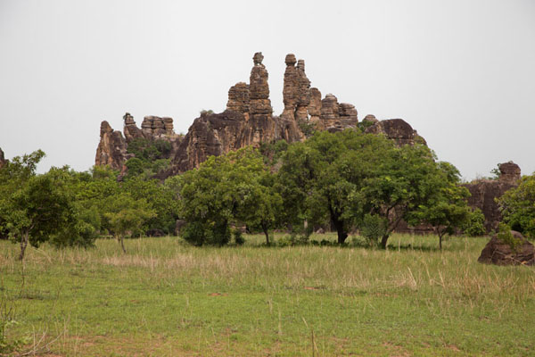 Picture of Sindou Peaks (Burkina Faso): Trees dominated by slender rock formations at Sindou
