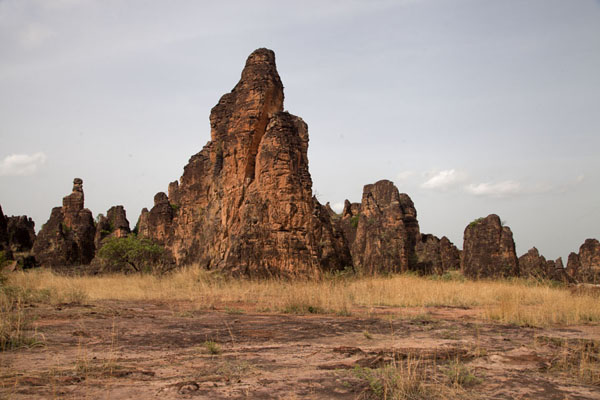 Picture of Sindou Peaks (Burkina Faso): Rocky peaks rising out of the plain at Sindou