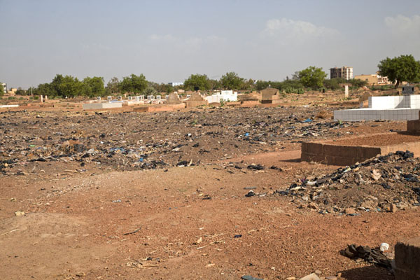 Overview of the cemetery on the eastern outskirts of Ouagadougou | Thomas Sankara Tomb | Burkina Faso
