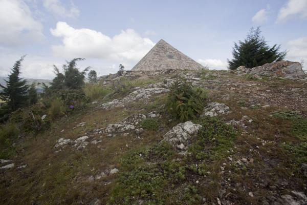 Picture of Source du Nil (Burundi): The pyramid on the hill, marking the Congo (left) and Nile (right) watershed