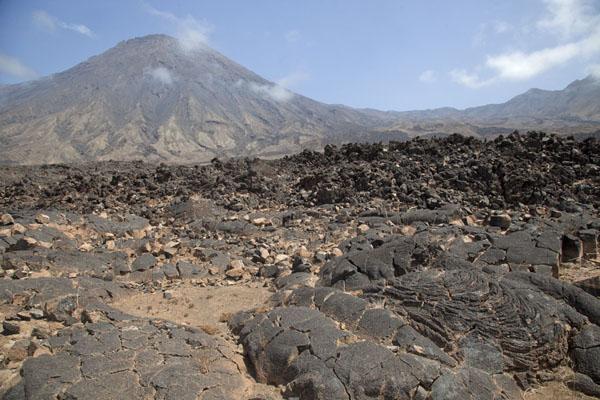 Topo da Coroa dominates the volcanic landscape of western Santo Antão | Tarrafal | Cabo Verde