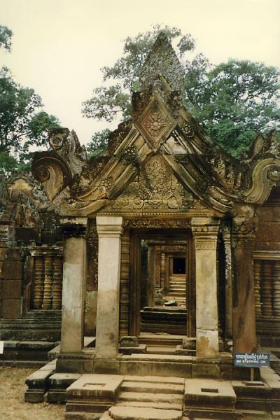 Foto van Typical entrance to temple complexAngkor Wat - Cambodja