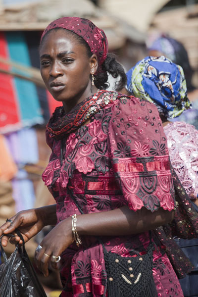 Picture of Market lady in Foumban