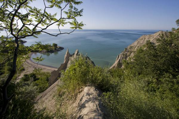 Foto van Scarborough Bluffs seen from above with Lake Ontario in the background - Canada - Amerika
