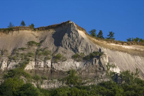 Looking up the Cathedral Bluffs | Falaises de Scarborough | le Canada