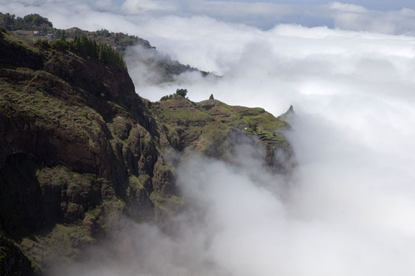 Clouds floating against the mountains between Cova and Ribeira de Torre | Coculi to Rabo Curto hike | Cape Verde