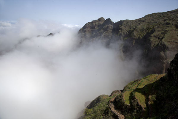 Clouds glued against the mountains above Chã de Pedra | Coculi to Rabo Curto hike | Cape Verde