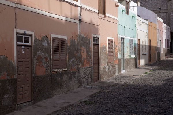 Street in Mindelo in the early morning - 维德角群岛