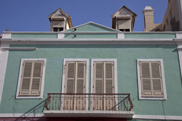 Green house with balcony in the city centre of Mindelo | Mindelo | Cape Verde