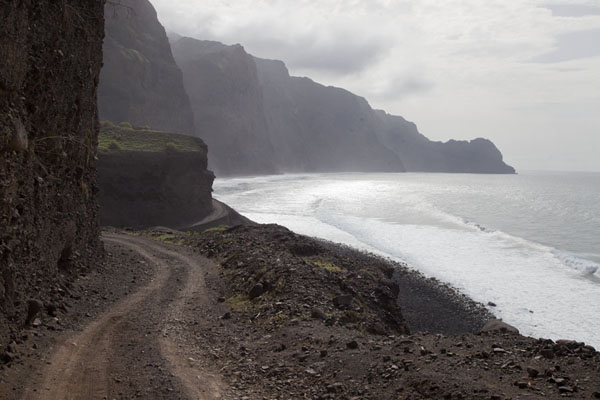 Picture of Ponta do Sol to Chã de Igreja (Cape Verde): Looking west along the dirt track close to Cruzinha da Garça
