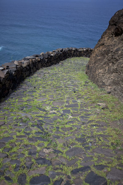Stone path with sea in the background | Ponta do Sol to Chã de Igreja | 维德角群岛