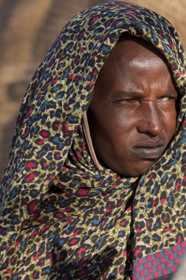 Picture of Woman selling souvenirs in eastern Chad