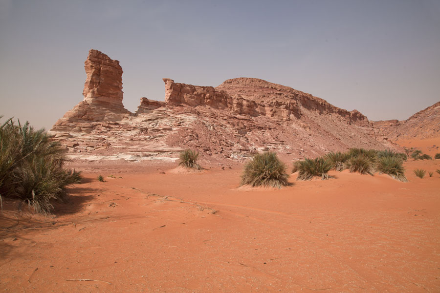 的照片 Rock formation in the desert at Teguedei - 查德