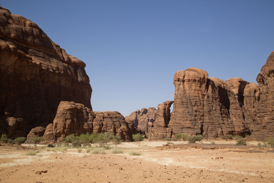 Picture of Canyon with vertical rock walls near the wells of Tokou