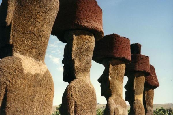 Foto de Statues on Easter Island - Chile - América