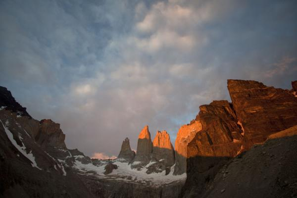 Foto van Sunrise over the Torres del PaineTorres del Paine - Chili