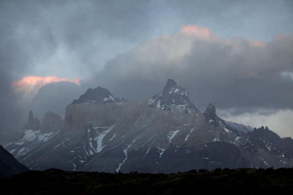 Foto de The Cuernos at sunset: one of the landmarks of Torres del PaineTorres del Paine - Chile