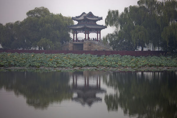 The Willow Bridge on the West Causeway | Palacio de Verano | China