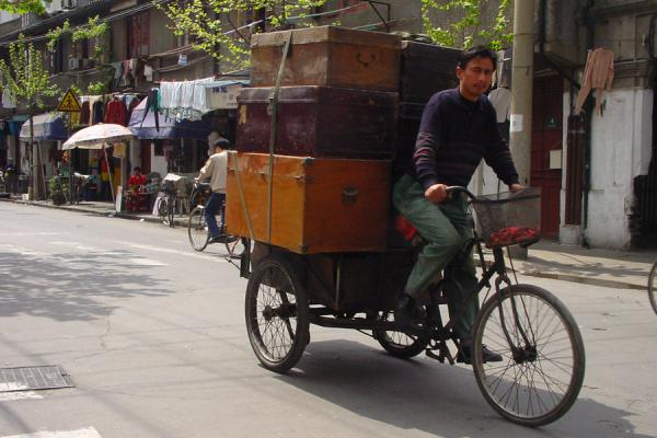 Foto de Bicycle cargo transportation - China - Asia