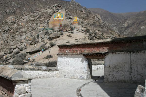 Picture of Drepung monastery (China): Rock paintings and gate at Drepung monastery