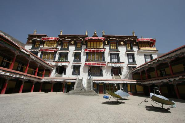 Picture of Drepung monastery (China): Assembly hall of Drepung monastery