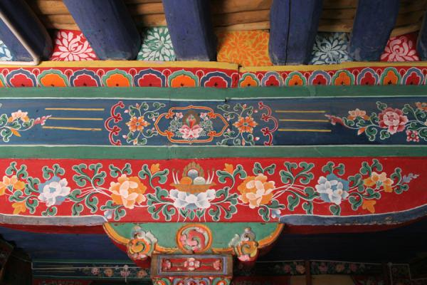 Picture of Drepung monastery (China): Decorated ceiling at Drepung monastery