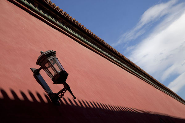 Lantern on a long wall at the northeastern side of the Forbidden City北京 - 中国