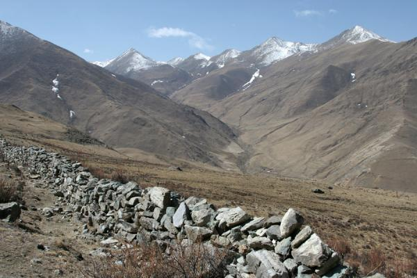 Picture of Ganden Monastery (China): View towards the mountains south of Ganden near Hepu village