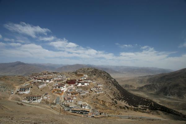 Ganden monastery seen from the path leading to Samye | Ganden Monastery | China