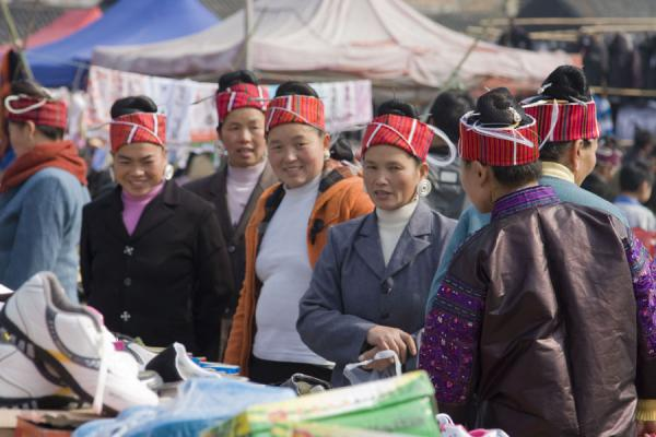 Picture of Miao women on a shopping spree at Gedong market
