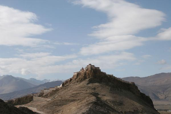 Gyantse fortress seen from the Gyante monastery | Gyantse fortress | China