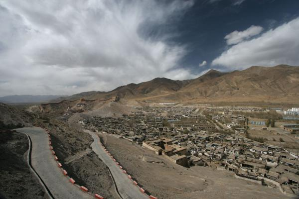 Picture of Gyantse monastery, Tibetan area and surroundings seen from Gyantse fortress