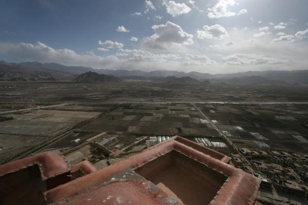 Picture of Looking over Nyang-chu valley from the top of Gyantse fort