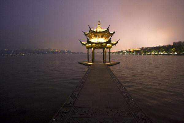 Rest place in the West Lake at dusk | West Lake | China