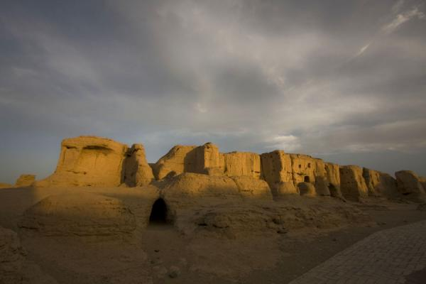Picture of Jiaohe Ruins (China): Sunset at the Jiaohe Ruins