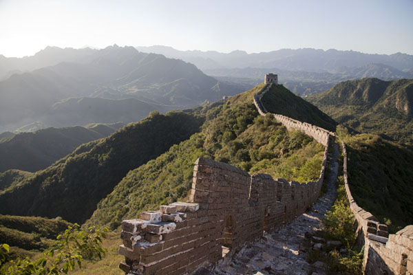 Picture of The eastern section of the Jinshanling Great Wall, with the Simatai section in the background