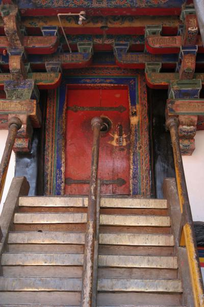 Stairs and door of Jokhang temple | Jokhang temple | China
