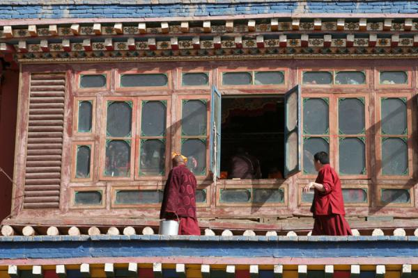 Monks at Jyekundo monastery | Dondrubling monastery | China