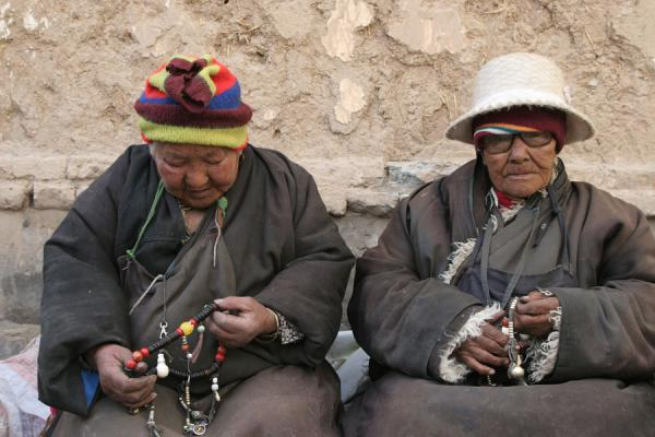 Two very old Tibetan women in Jyekundo | Jyekundo faces | China