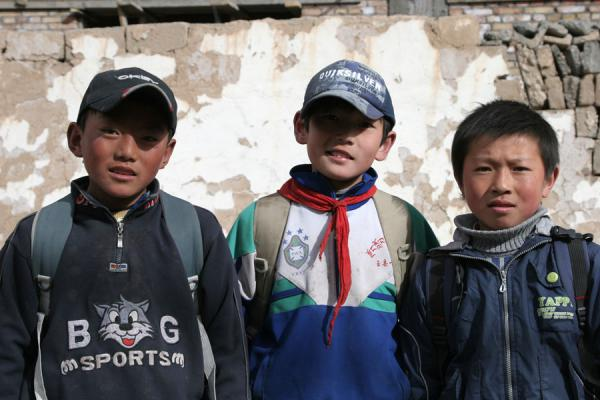 Faces of schoolboys in Jyekundo | Jyekundo faces | China