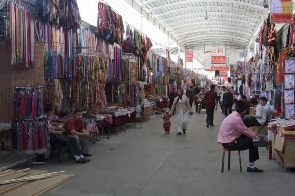 One of the main streets of Kashgar Bazaar | Bazar de Kachgar | Chine