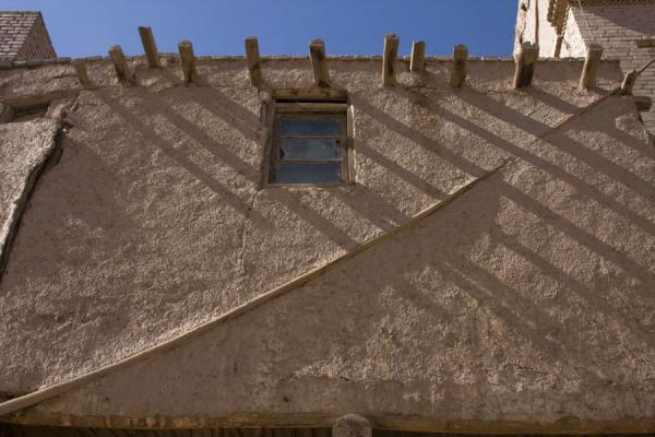 Adobe house with beams sticking out in Kashgar | Kashgar Old Town | China
