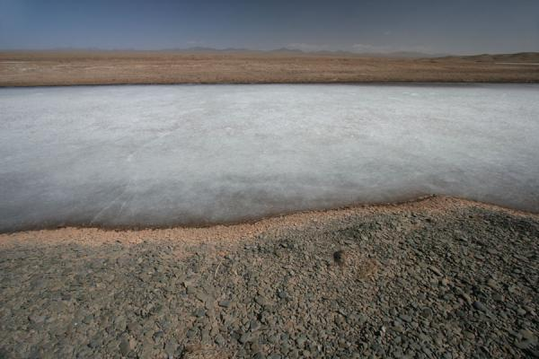 Ice and stones at the shore of Ngoring Tso | Ngoring Lake | China